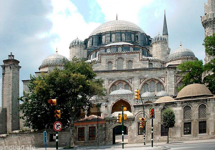 Мечеть Фатих в Стамбуле фото