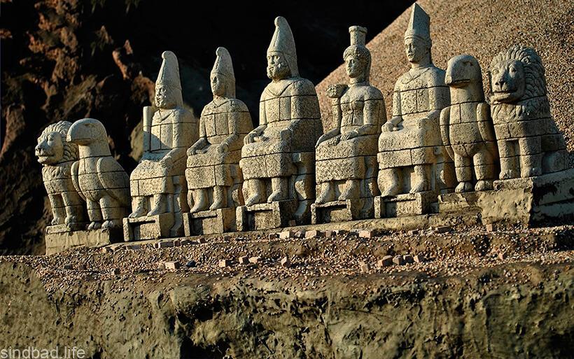 Боги горы Немрут-Даг
