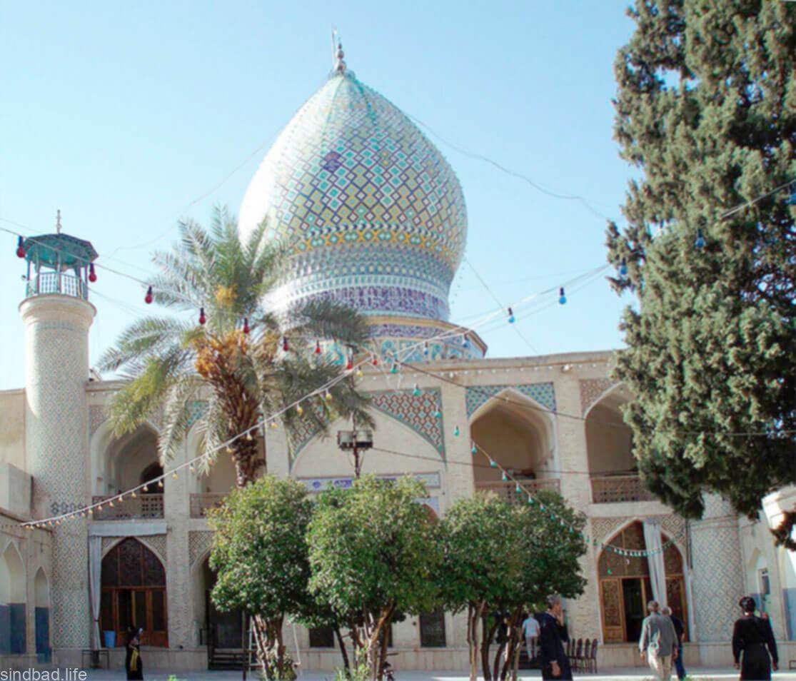 Зеркальный мавзолей в Ширазе
