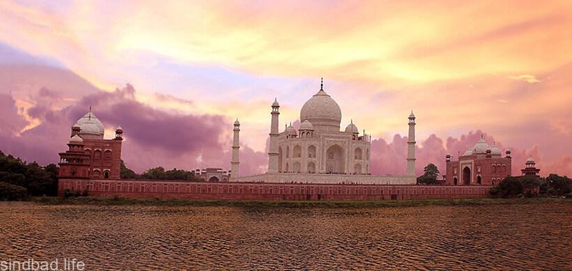 Мавзолеем Тадж-Махал архитектура