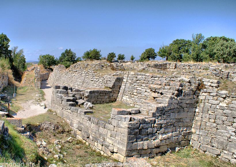 Древний город Троя руины