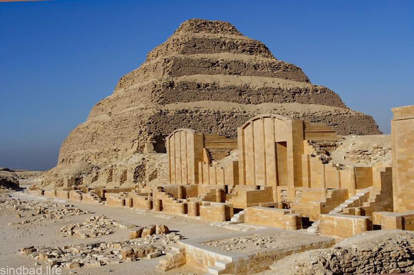 фото ступенчатой пирамиды Джосера