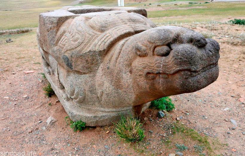Каменная черепаха